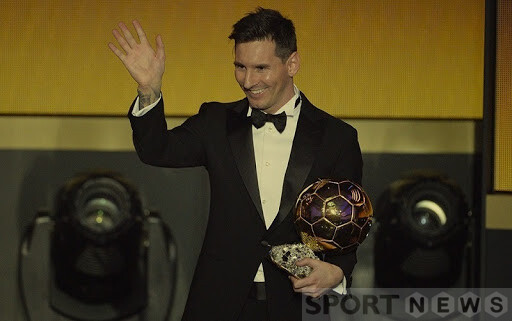 Messi and the 6th Golden Ball. Photo: France Football
