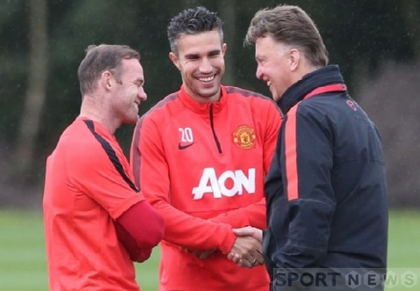 Coach Van Gaal with Rooney and Van Persie