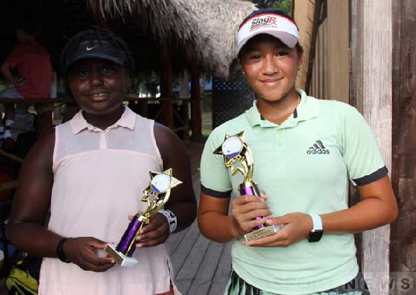 Sophia Huỳnh Trần Ngọc Nhi excellently crowned in the Houston Summer Junior & Adult Open Sleep Awards 2020